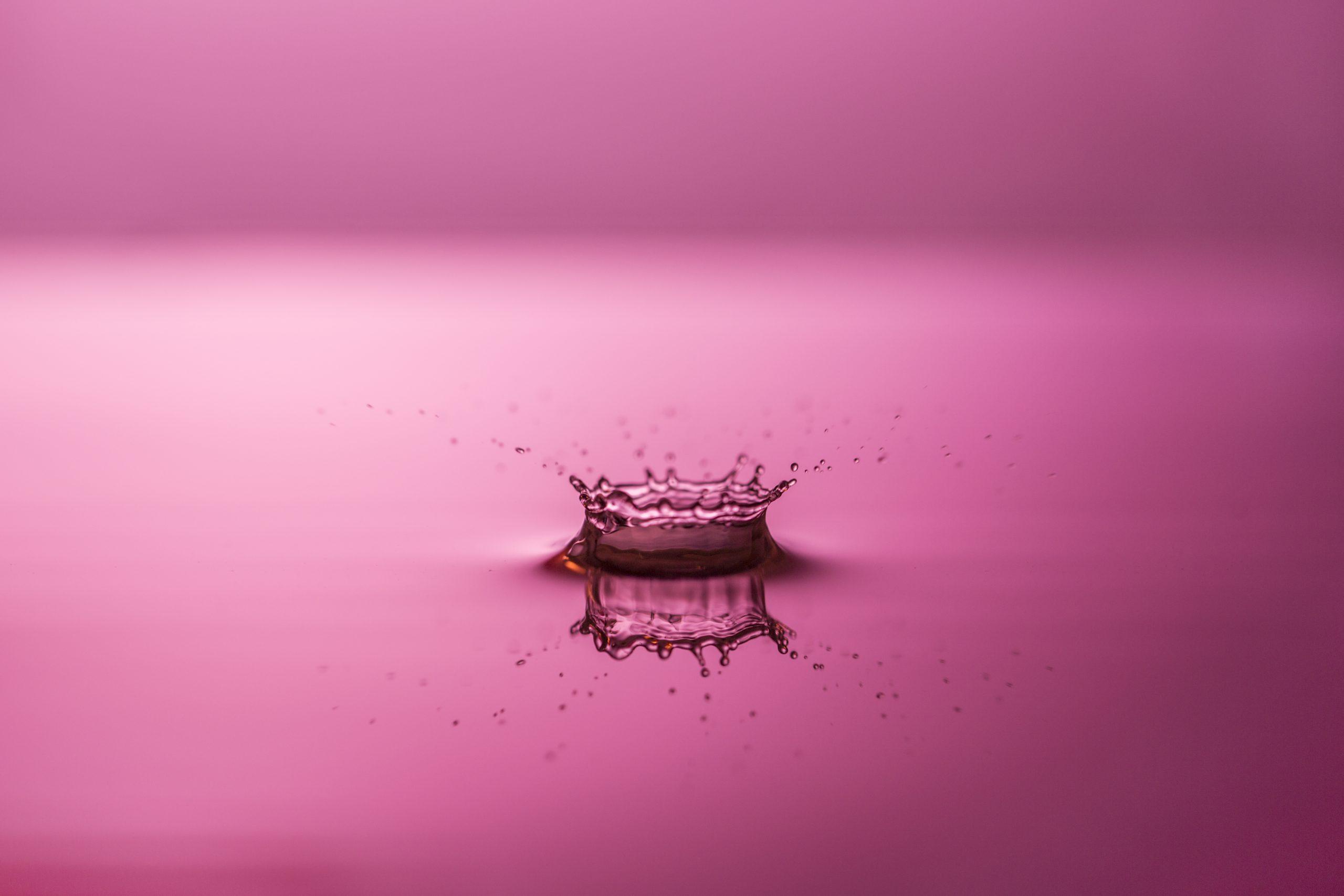waterdruppel creëert impact